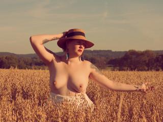Nackt christina wackernagel Christina Applegate