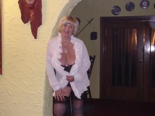sexy Jenny49 - Reisen, schwimmen und tanzen. - Möchtest Du  einen heissen Chat erleben?  Besuch mich, ich erfülle Dir Deine Wünsche und zeige Dir eine heisse Show.
