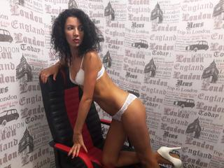 MissKassandra - Travelling, listening to music, cooking, dancing, enjoy my life