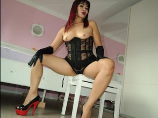 ThaiStraponLady - Wer hat lust von mir in meine gynostühl benütz zu werden und mich dienen dazu auch leck*en und mehr... ?? lust drauf..?? dann komm in mein chat für  m