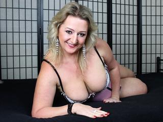 bustyLisa - SEXY GROSSE TITEN__