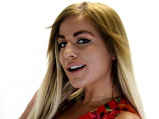 MelanyGold  - Horse Ride, Read, Travel :)  - Come in my room and let me make you happy. My body is hot and my sex very horny!!!