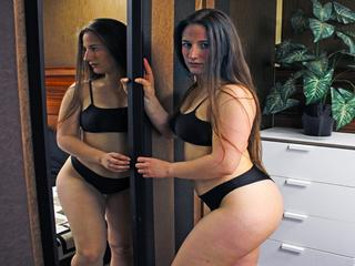 ChloeBabe - Swimming, Cycling and HitchHiking - Hi , I`m ChloeBabe. I Studied Relation Economic International...I`m make-up artist and i just made from my make-up passion a little bussines from this...I love to make the women be more beautiful , i love to have fun , to cam , feel good and laught... I always appreciate any donations you may be able to give . It help with my expenses for dream trip to Miami hihi , as well as shooping bags and shoess yayyy