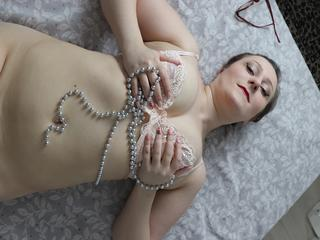 mollig, weiblich