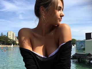 SexBannyMila - Ich bin für mich selbst und zu Ihrer Unterhaltung da, bereit, Ihnen meine Aufmerksamkeit und meinen Durst nach Kommunikation zu schenken. Wenn du schöne Mädchen liebst, dann geh zu meinem Chat und wir werden eine tolle Zeit zusammen haben! Küsse mit Liebe, Mila.