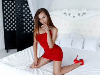 Raminsa - I like to dance and with pleasure will show you my hot body. What would you like to see? Please tell me, honey!