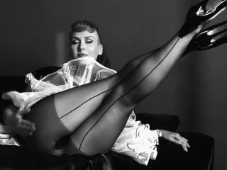 Desire Noe - deine Fetisch Muse    ein Ort, wo Eleganz, Stil und Schönheit auf Bizarr, Latex und Kinkiness trifft. Ich bin eine Fetishista mit einer Vorliebe für extravagante Mode, Bondage und SM-Spiele.    Du bist eingeladen mit mir zusammen deine wildesten Phantasien zum Leben zu erwecken: Gummipuppe , Hogtie-BondageBabe, Bitchtress, Leder Göttin .... PinUpGlamour & FetishPorn    Zu mir:  natürliche dicke Titten, runden Hintern, niedliches Gesicht mit einem schmutzigen Geist ... Ich liebe Fetisch Spiele mit einer besonderen Note - Habe unzählige Spielsachen und viele Ideen.     XXX Sei Kinky, heiss und `böse` - verwechsel aber NIE Dominanz mit Respektlosigkeit XXX