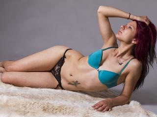 I love tender kissing and making love, but if you play the right strings I`m a wildcat in bed. ;) come visit my show!