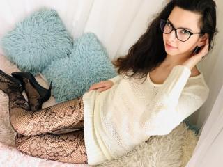 NataliaBrown - Süßes und reine junge Frau, die ein bisschen Pfeffer zu ihrem Leben dazugeben möchte! Lass mich nicht langweilen... Komm und ich will dir die beste Entspannung deines Lebens geben!