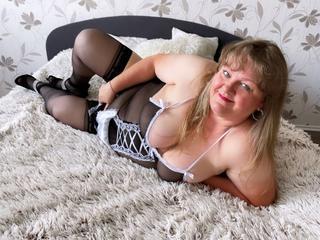 HotMarieta, Ich bin Mrieta, bin eine mollige und verrúckt nach Sex. Ich komme aus der Tschechei und liebe es Spass zu haben.