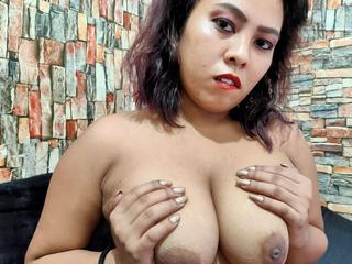 BigBoobsLyn - Hot big Boobs!