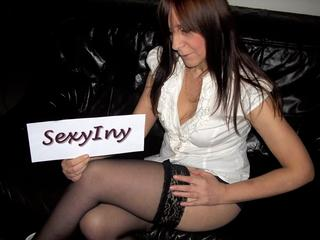 SexyIny - Komm rein - besorg`s mir! - girlscam,geile-videos,dirtytalk